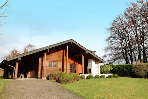 Charming Chalet with Private Garden in Stavelot