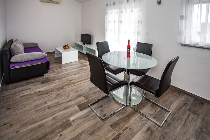 Appartment with two terrace Lavanda