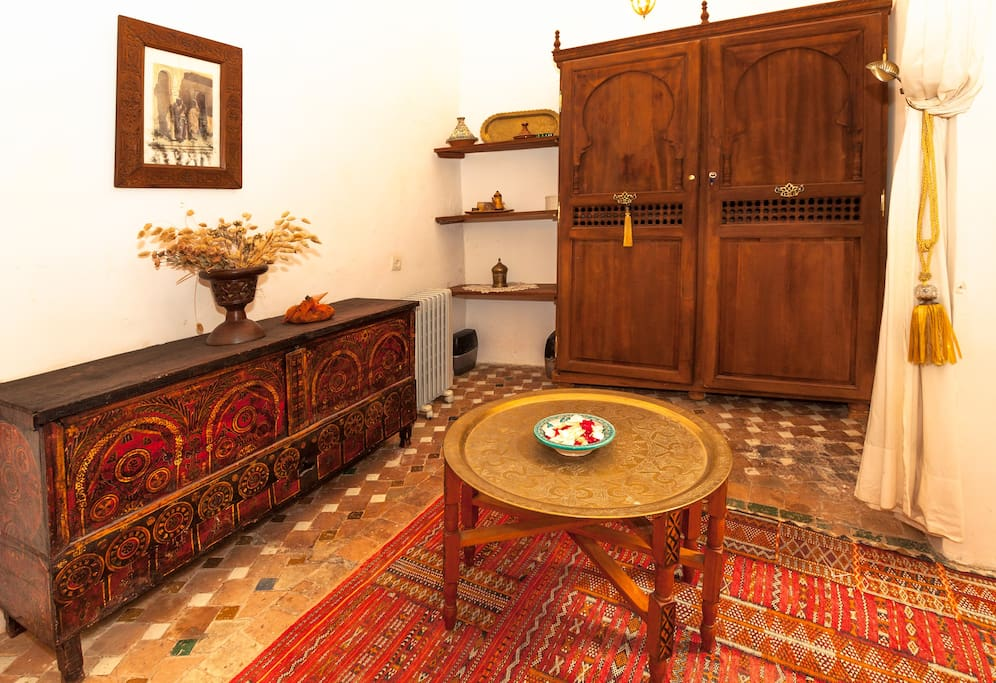 Dar elisa charming riad in fez houses for rent in fes for Airbnb fez