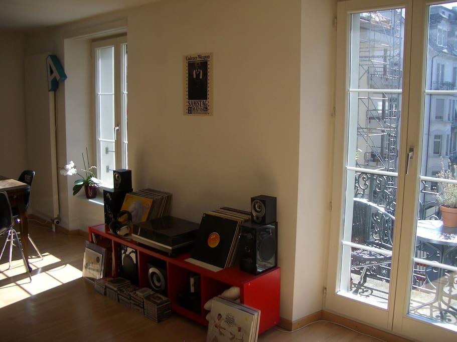 Sunny apartment near Lion Monument