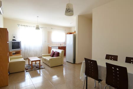 Modern furnished 2 bedroom flat - Limassol - Apartment