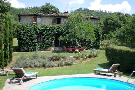 Casa colonica in pietra, Toscana - Sansepolcro