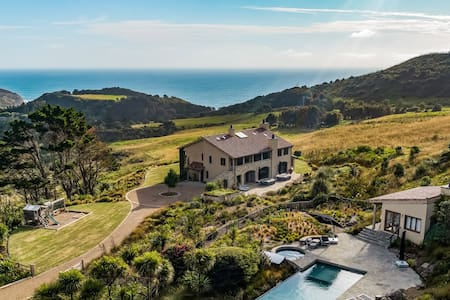 Muriwai Estate