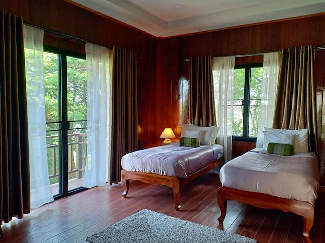 Thai style n cozy room with garden-lotus pond view