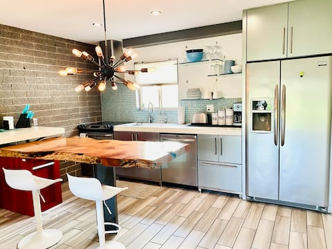 Modern Old Town Scottsdale Condo/Perfect Getaway!