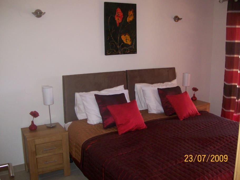 Master bedroom with en-suite with jacuzzi bath