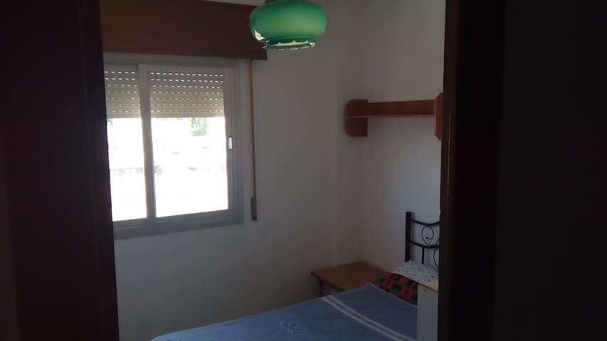 Cozy cheap room close to Granada Center! - Maracena - Lägenhet
