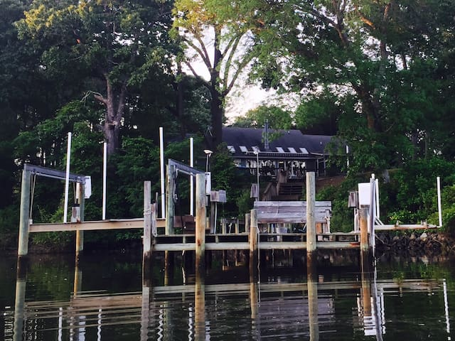 Comfy Deltaville House on the Water