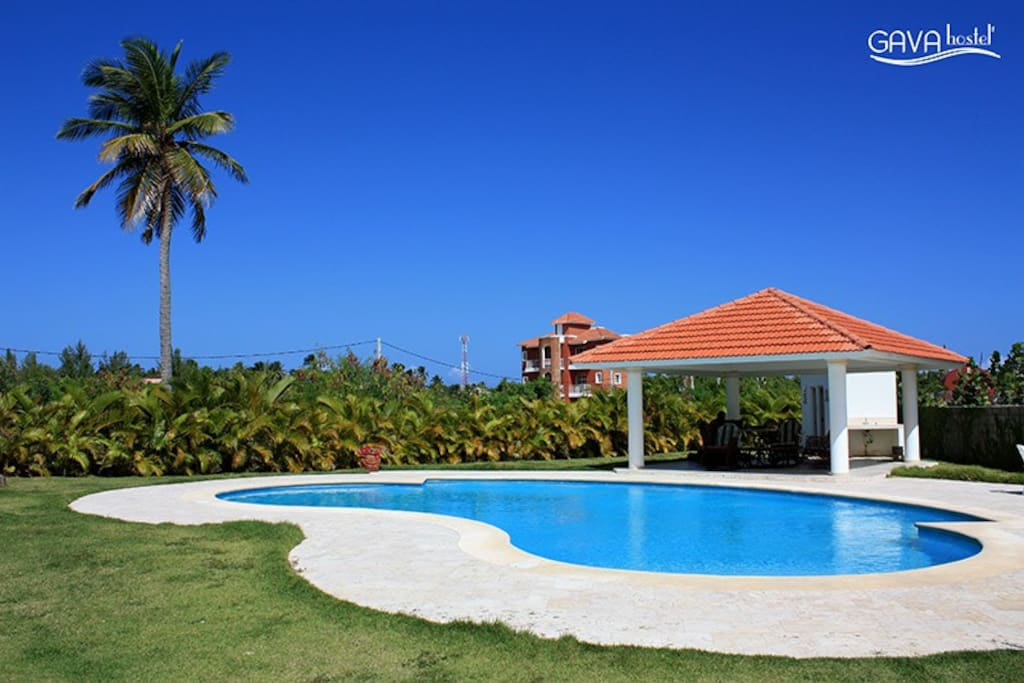 The hostel features an outdoor swimming pool, terrace and Wi Fi.