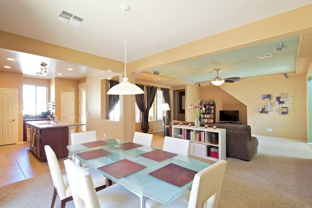 Full size open dining room comfortable for 6, expandable to 8-10.