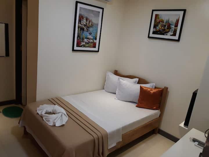 Neil Frank Hotel - 3rd Flr Room 5 (Mauban, Quezon)