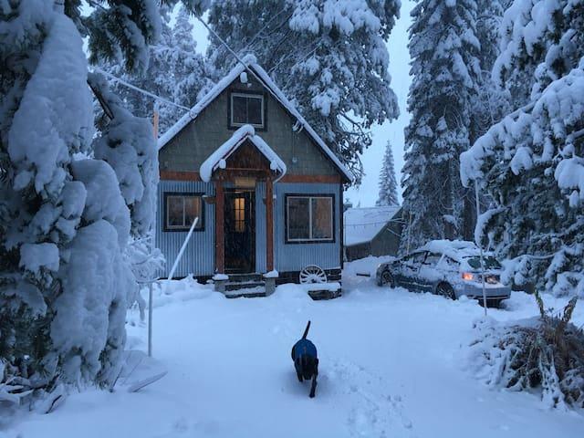 Welcome to La Cumbre in the winter