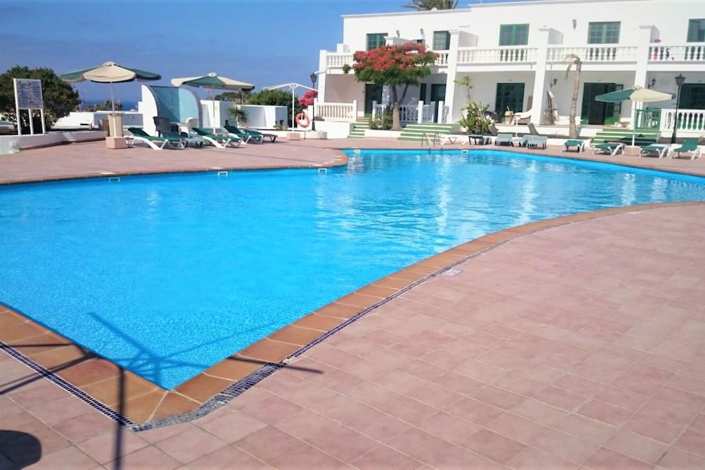 Swimming pool for adults- Piscina para adultos