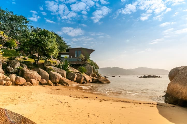 Exceptional property private beach - Governador Celso Ramos - 獨棟
