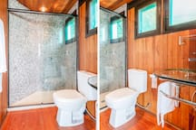 Bathroom of one of the rooms of the beach house