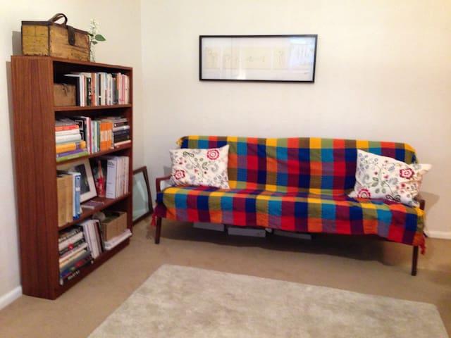 Gorgeous one bedroom apartment - Albert Park - Daire