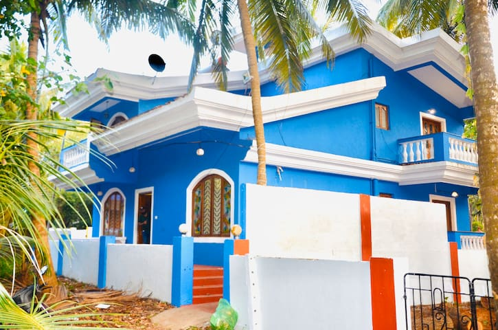 Casa D Blue 2Mins Walk To Candolim Beach