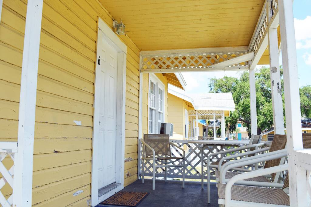Cottage 6 Porch