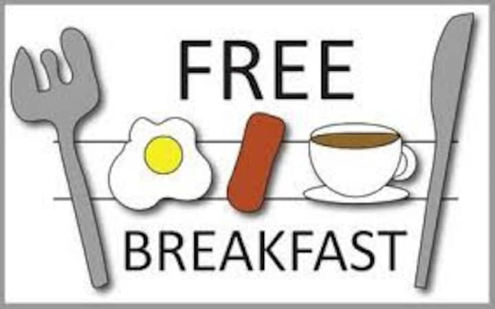 1 MINUTES TO THE BEACH! WITH FREE BREAKFAST