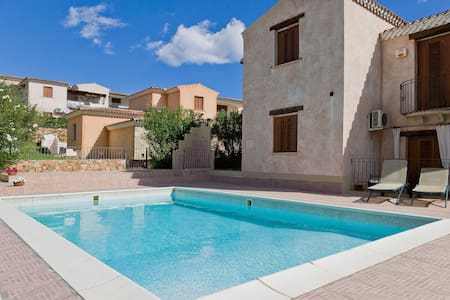 House with pool close the sea n7 - Budoni
