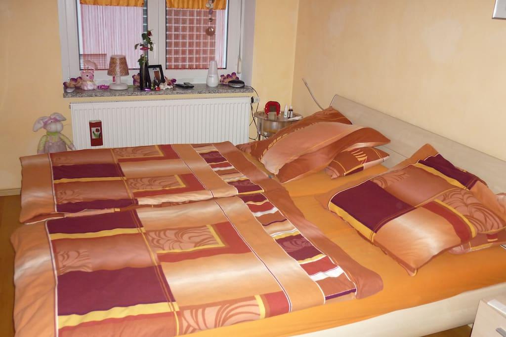 room 2 Zimmer 2