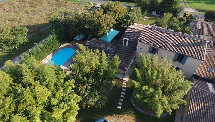 Spa Sauna Billard Piscine 25mn de Bordeaux