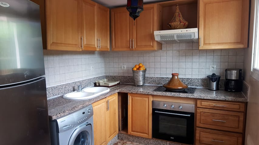 Kitchen - with washing machine