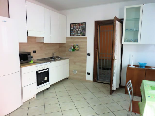 WONDERFUL HOME IN BERGAMO! Between Airport&Center