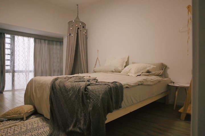 【造访·理想生活家】Room5.熔岩 自然系双人大床房