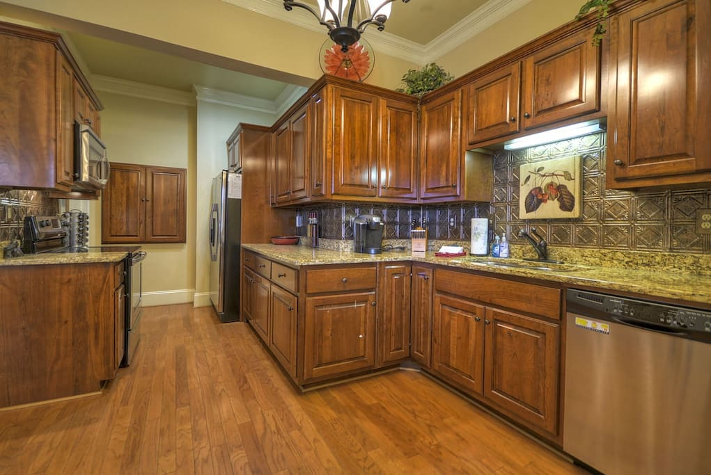 Blue Ridge Suite 1 - Gourmet Kitchen
