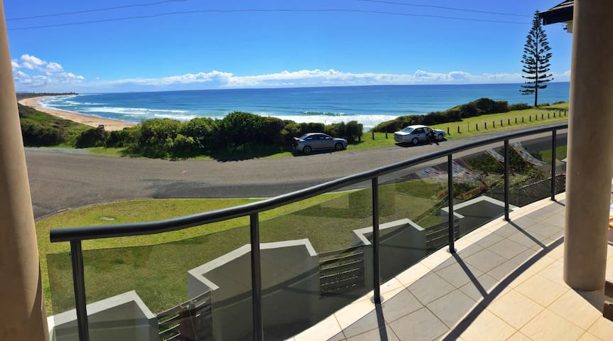 Beach House close to Foster Tuncurry, Wallabi Pt - Wallabi Point - Adosado