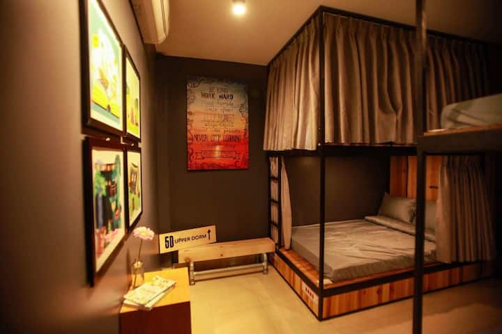 CHIC beds as a Hotel in city CENTER *5DUPPERDORM