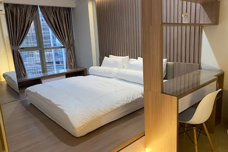 APARTMENT GOLD COAST PIK 1 BEDROOM + SOFABED