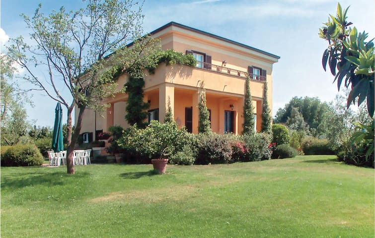 Holiday cottage with 4 bedrooms on 180m² in Capranica VT