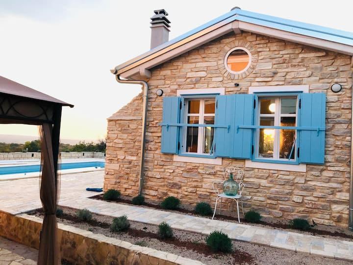 Tiny House mit Pool auf Krk
