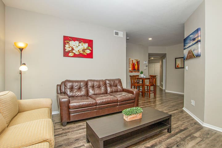 Large inviting living area, featuring 6 large seats + a Queen pull out sofa accommodating 2 more guests.