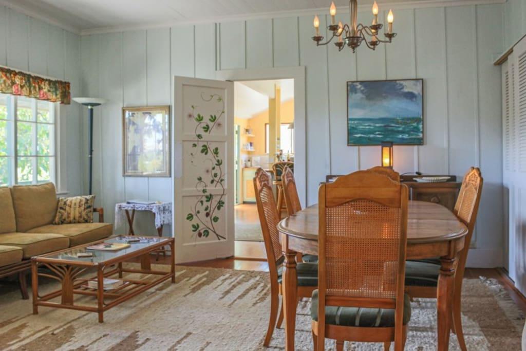 Waimea Guest House dining room