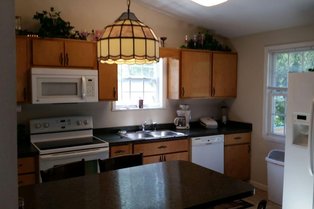 Full kitchenh