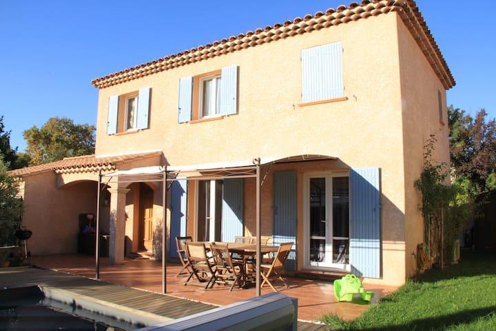 Villa avec piscine chauffée - Salon-de-Provence - House