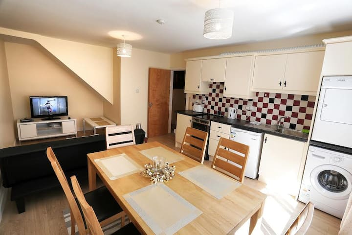 Town centre New 2 bedroom apartment in Tralee
