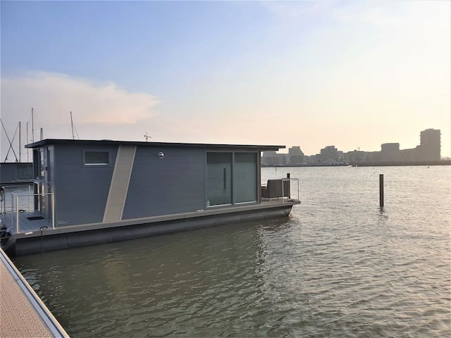 Houseboat Anne Frank