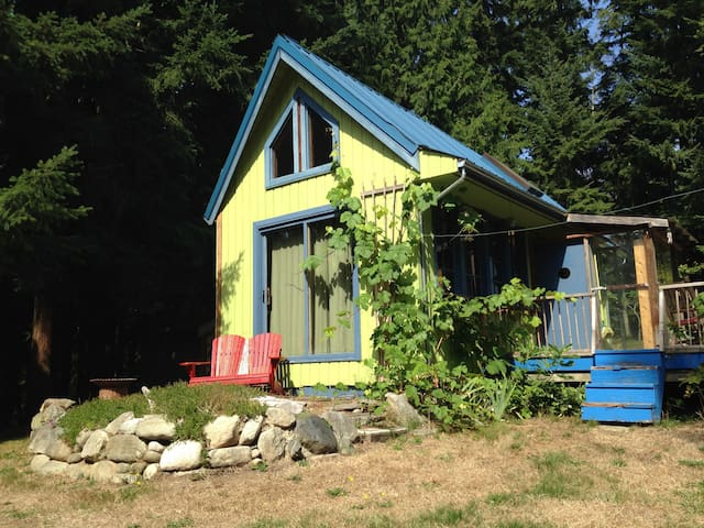 Super private, charming cabin - Freeland