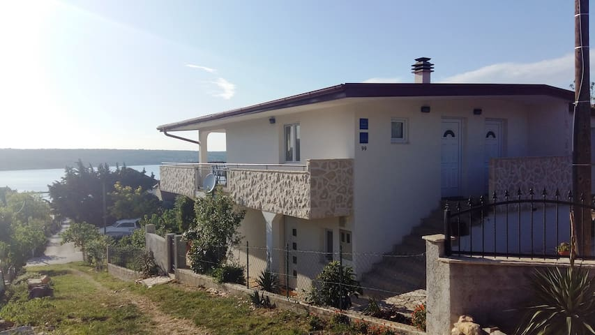 Two room apartment *** in Karin - Obrovac - อพาร์ทเมนท์