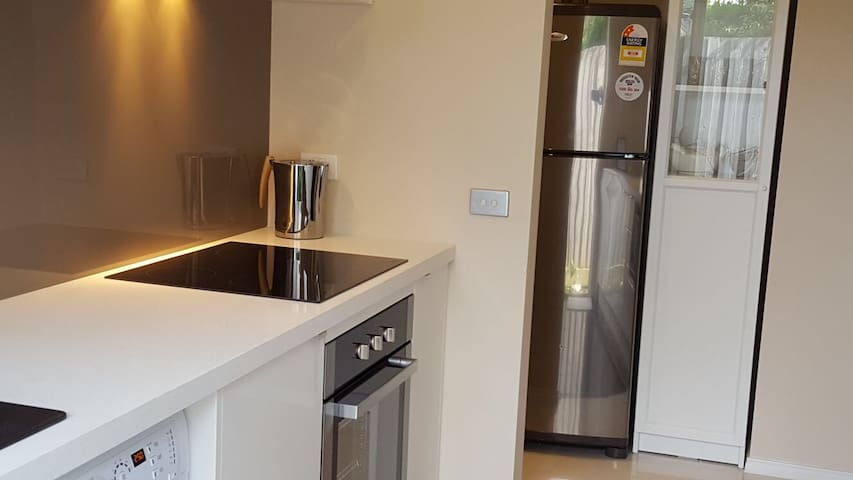 Modern 2 Bedroom self-contained holiday house