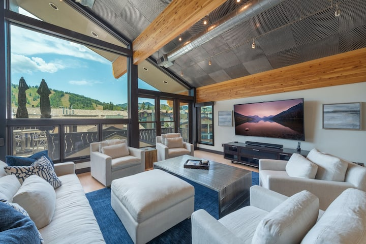Unrivaled Luxury Penthouse Ski In Ski Out 3 Bed+Den Modern Views Silver Lake Village Deer Valley