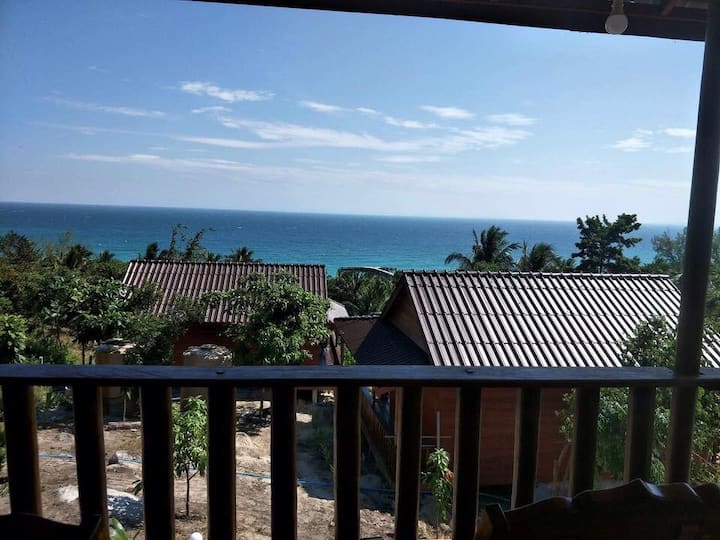 Deluxe twin bungalows with balcony and ocean view