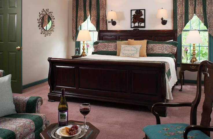 Enjoy luxury, feel pampered at 30 Timber Road B&B - Mechanicsburg - Bed & Breakfast