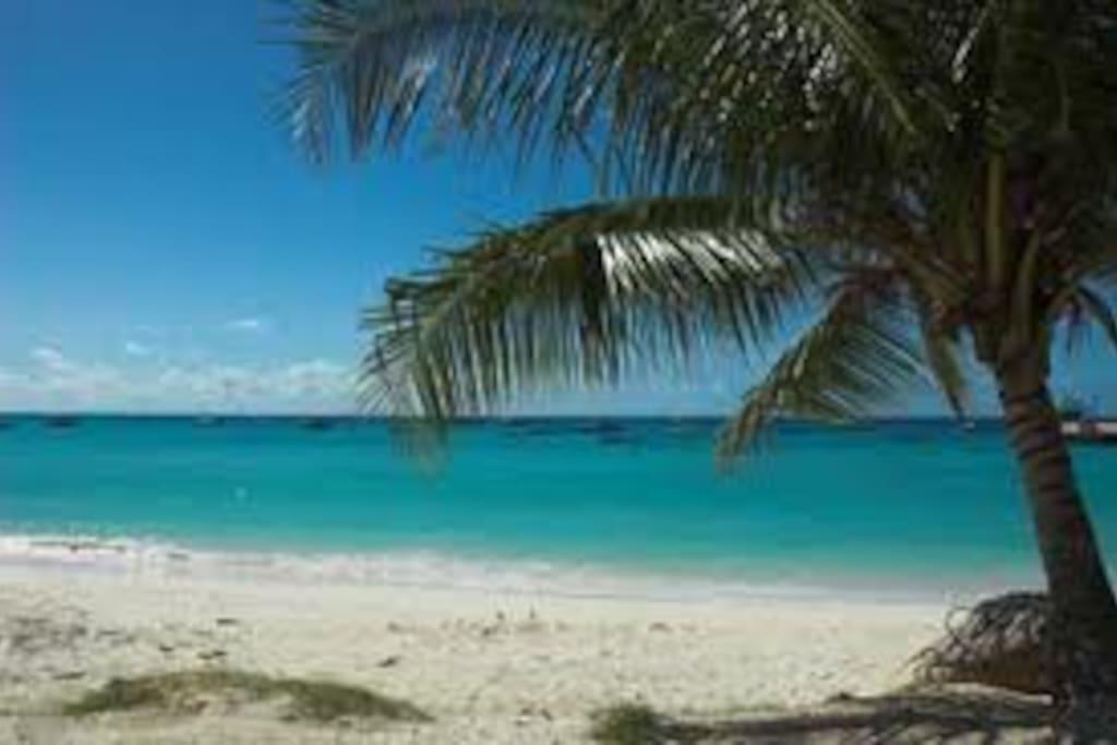 Welches beach - 5 min walk away
