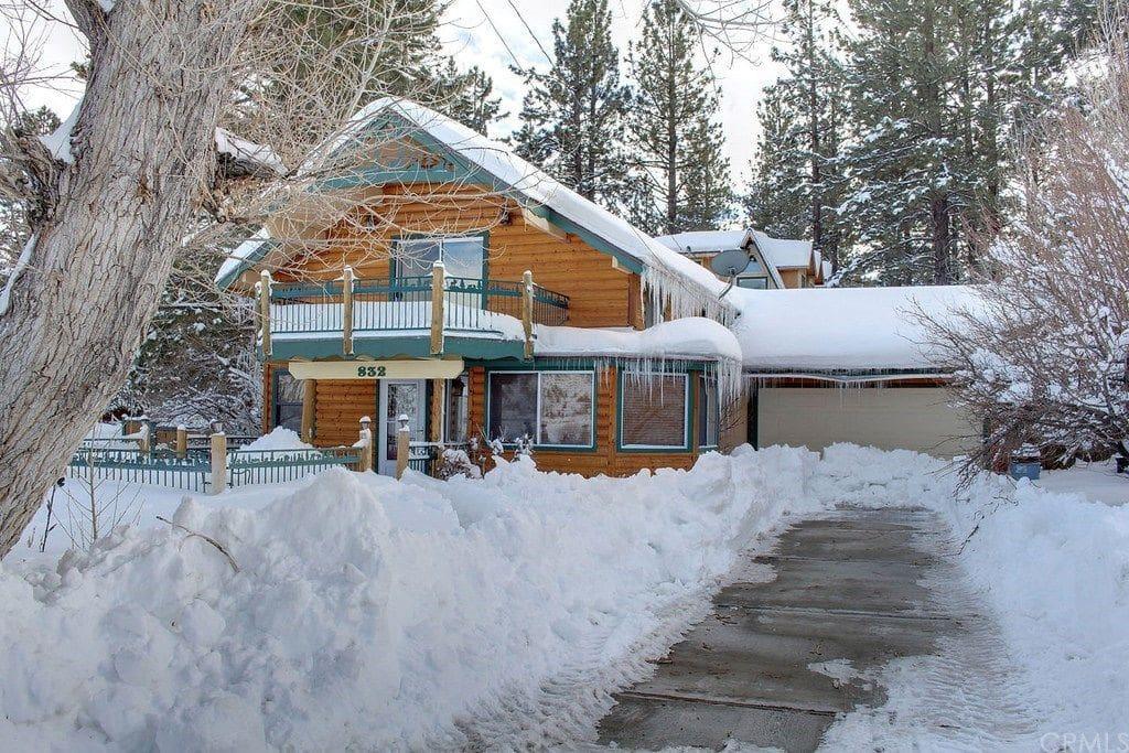 Private mountain cabin w water and mountain views for Cabin cabin vicino a big bear ca