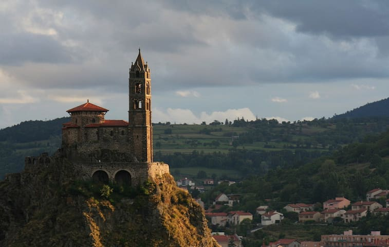 Spectacular view of Le puy en Velay - Aiguilhe - Casa